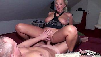 porno ich wichse geilen auf schwanz meinen Cuckold slave cleans