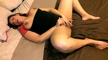 in bed to hands on puting pussy Indian tv ancor