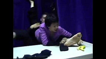 feet licks guy s girl High school girls gangbang teen scandalus