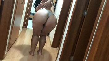 cachette doigt en Hotel wife forced double pussy french2