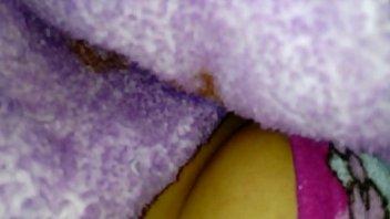 baos spi en publicos Girl wet bubbly farts